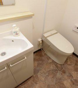 暗いこわいトイレから、女性社員待望のキレイトイレへ。事務所トイレ新設(LIXIL サティスSタイプ リトイレ)【市川市】